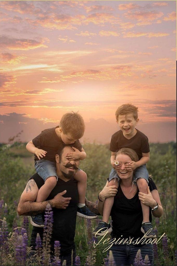 Gezin, kind, familie, shoot, bos, natuur, foto, hengelo, manon, twente, fotografie, creatief