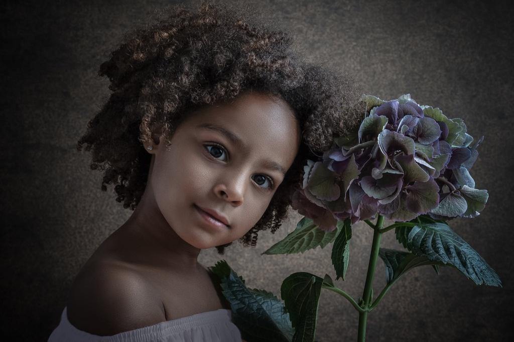 Fine Art Portret, Hengelo, Manon Moller Fotografie, Fotograaf, Twente, Overijssel, Studio, sprookjesfoto, sprookje, prinses, kinderportret, kinderportret Hengelo, zakelijk portret.