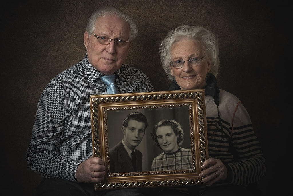 Gouden huwelijk, Briljant huwelijk, 65 jaar getrouwd, 50 jaar getrouwd, getrouwd,Fine-art, portret, fine art portret, portretfoto, fotograaf hengelo, enschede, almelo, foto, fotografie, sony, portretfotograaf, Twente, Overijssel, fotoshoot, Manon Moller Fotografie.